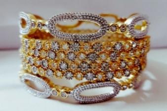 15017757500_Golden_bangles.jpg