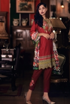 15112829150_Nourhan_Khaddar_Collection_2017-D-3.jpg
