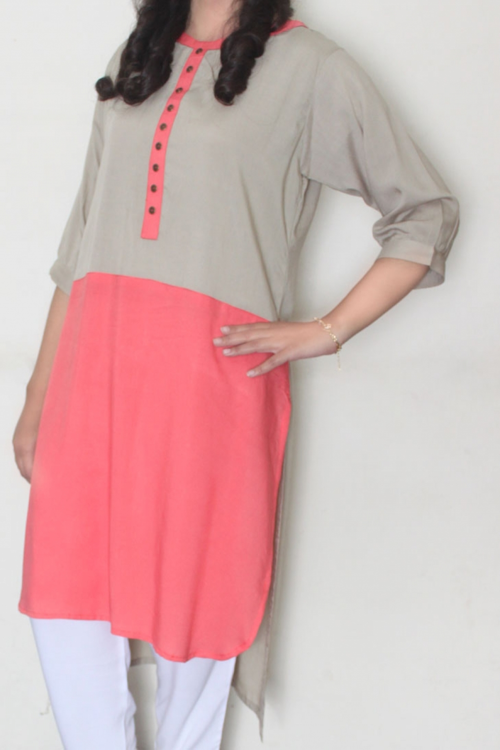 15006493800_Affordable_grey_and_pink.jpg