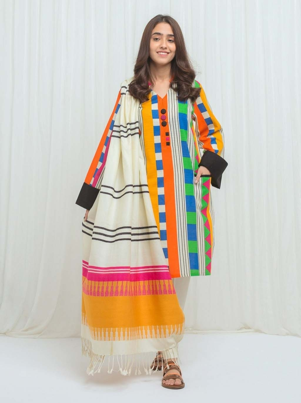16196300570_large_16134763260_Beechtree-Sale-Beechtree-New-new-winter-collection-2020-online-shopping-in-PakistanBeechtree-new-winter-collection-2020-online-shopping-in-Pakis.jpg
