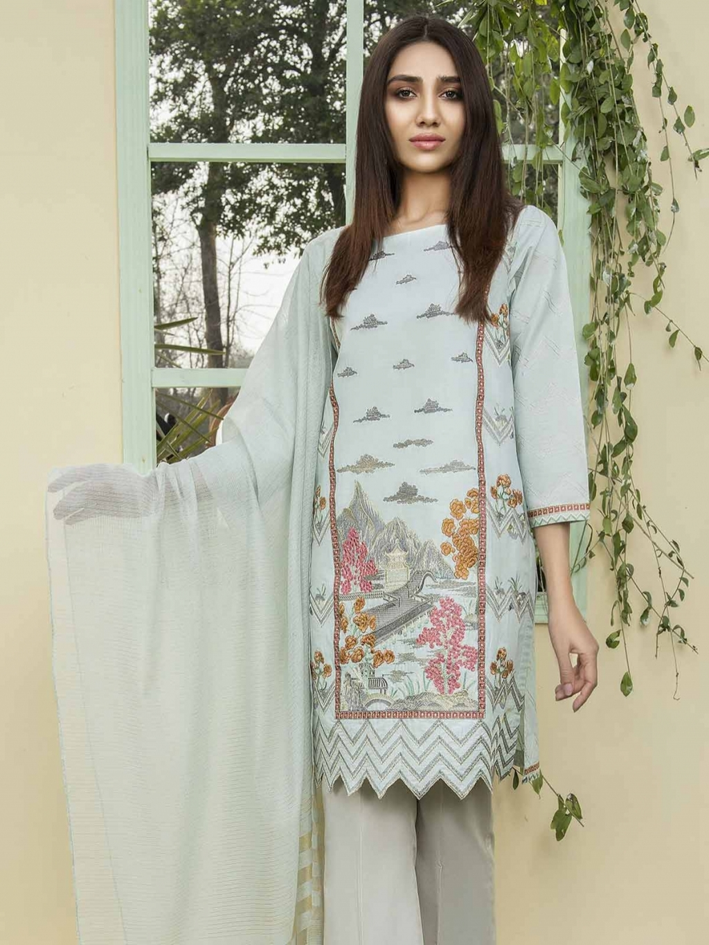 16220228630_Limelight-embroidered-lawn-01.jpg